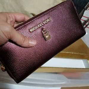 New continental wallet large box AUTHENTIC MICHAEL
